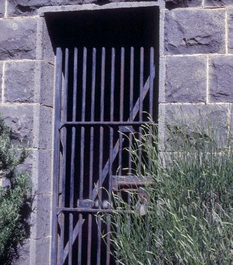 h00533 former police residence and lock up heales street talbot lock up gate she project 2003