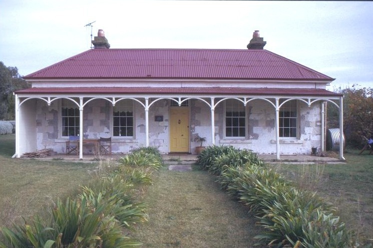 h00850 former st andrews presbyterian church and manse william st port fairy front of manse she project 2003
