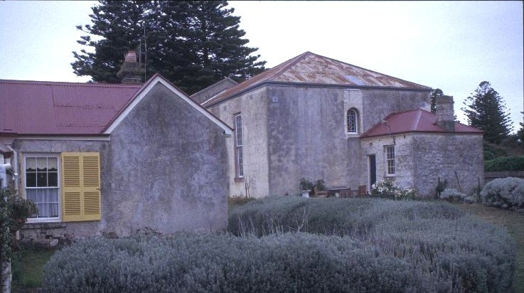 h00850 former st andrews presbyterian church and manse william st port fairy rear of manse and church she project 2003