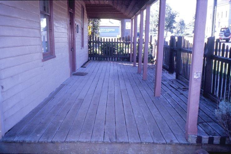 h00239 former steampacker hotel portland verandah she project 2003