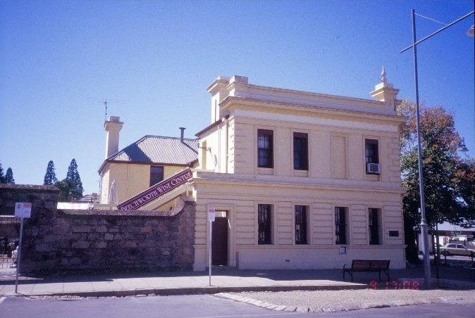 h00349 former westpac now bank of melbourne ford street beechworth camp st facade she project 2003