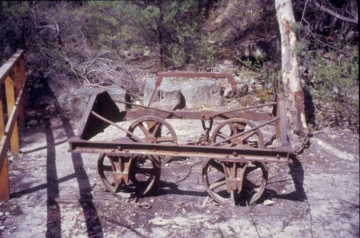 h01556 heatherlie quarry grampians national park halls gapp tramway wagon in sliding she project 2004