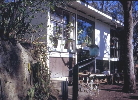 h01313 inge and grahame king house drysdale road warrandyte side view she project 2003