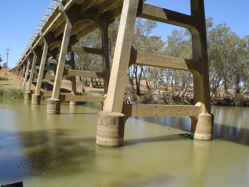 h01986 janevale bridge over loddon river laanecoorie base she project 2004
