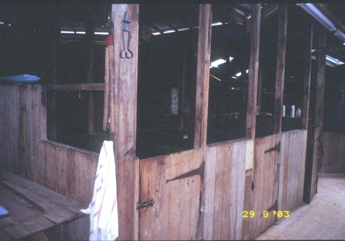 h00324 kolor woolshed penshurst warrnambool road penshurst shearing shed she project 2003