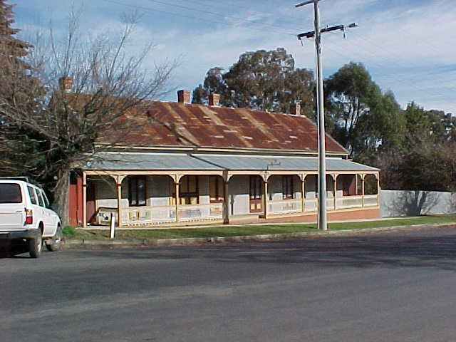 h00350 london tavern 43 camp street beechworth