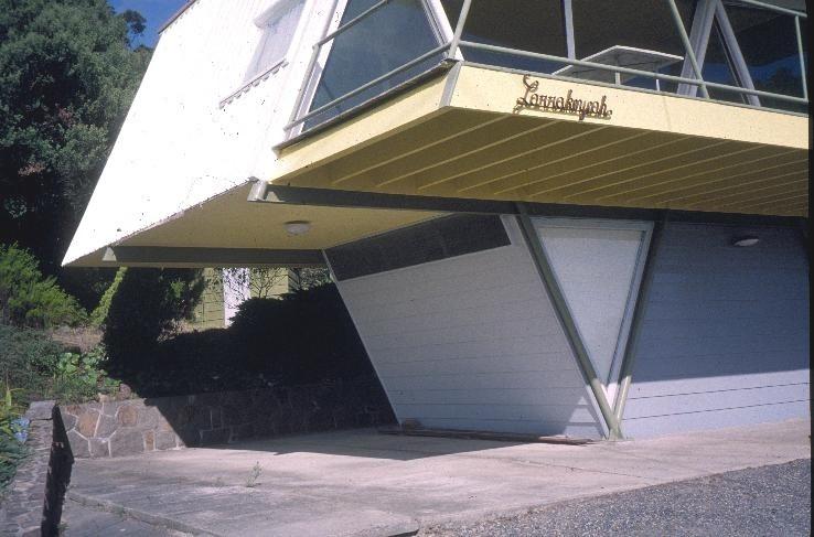 h01906 mccraith house atunga terrace dromana front carport she project 2003