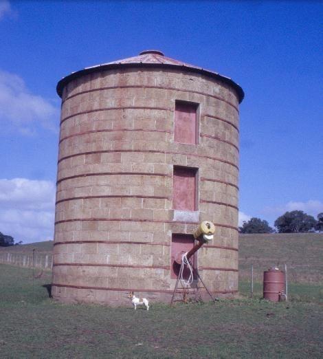 h00289 murndal murndal road hamilton silo