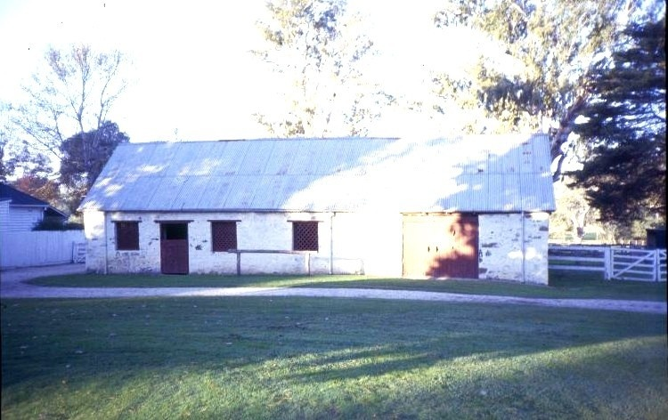 h00371 murrindindi station melba hwy yea stone stables she project 2003