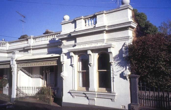 h01205 nathans terrace wellington and shields street flemington front of 11 shields st she project 2003