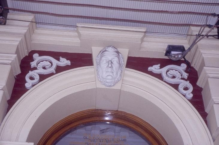 h00116 old colonists hall lydiard street north ballarat death mask over front entrance she project 2004