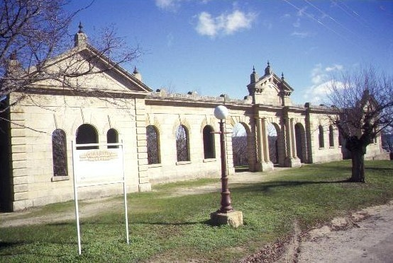 h00358 old hospital ruins church st beechworth view facade she project 2003