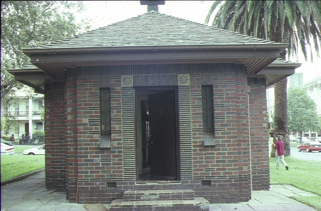 h00945 old men's shelter albert street east melbourne front view