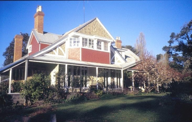 h01179 1 pastoria homestead baynton rd kyneton front view she project 2003