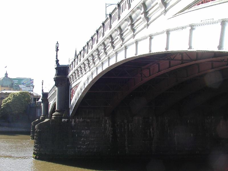 h01447 princes bridge st kilda road over yarra river melbourne below she project 2004