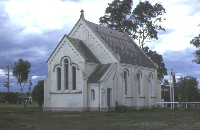h00599 1 st marks anglican church cnr albert hood streets rosedale rear view church sep1983
