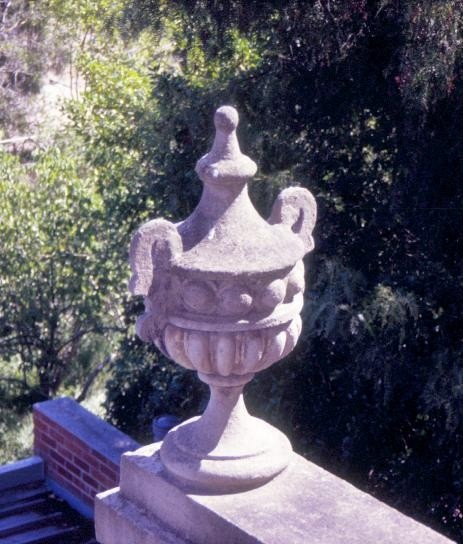 h01774 terrace houses clarke street northcote rear urn she project 2004