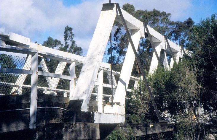 h01214 timber truss and concrete bridge over genoa river genoa northern end she project 2003