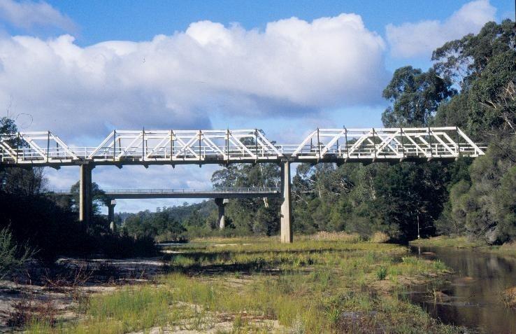 h01214 1 timber truss and concrete bridge over genoa river genoa western side she project 2003