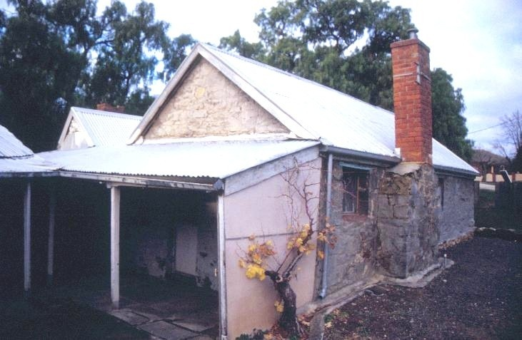 h01838 tutes cottage greenhill road castlemaine verandah she project 2003