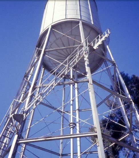 h01833 water tower and tank millard street wangaratta close up she project 2003