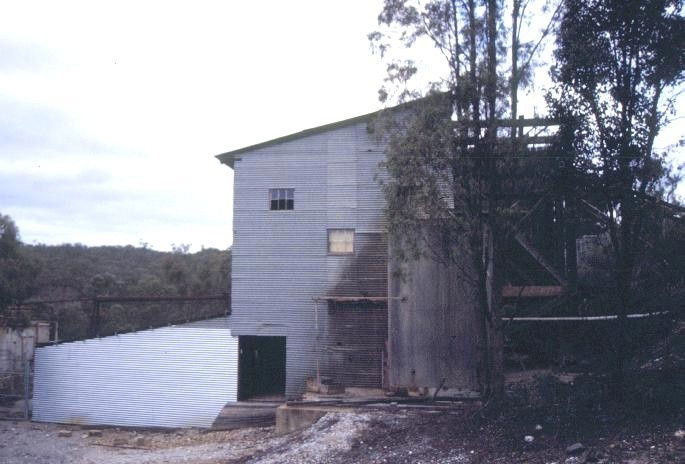 h01879 wattle gully gold mine fryerstown road chewton battery house she project 2003