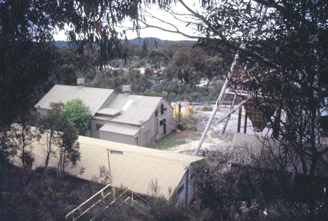 h01879 wattle gully gold mine fryerstown road chewton engine house she project 2003