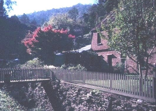 h00326 lwindsor house right hand branch walhalla side view of creek she project 2003