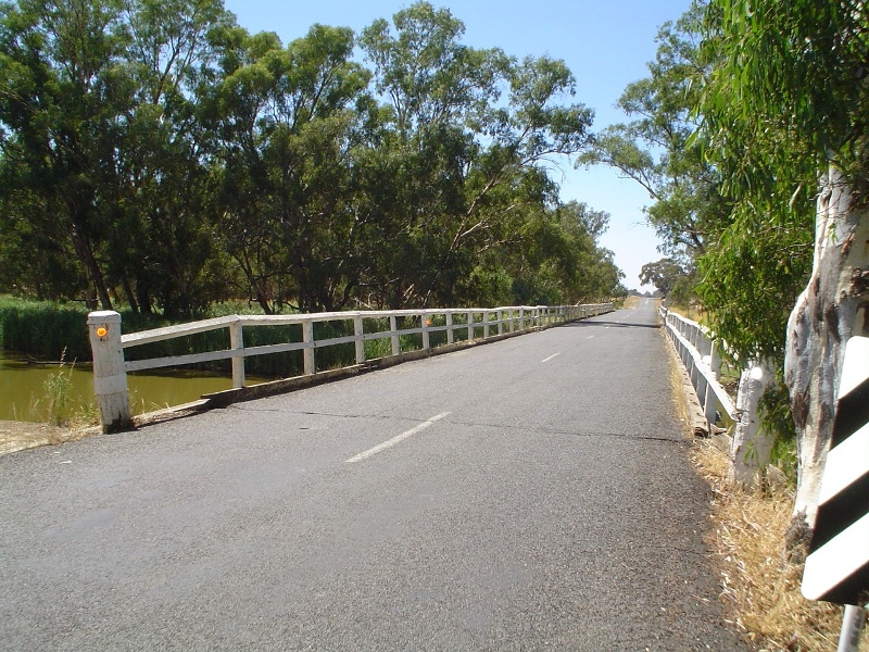 h01850 danns bridge over bet bet creek dunolly eddington road eddington across bridge she project 2004