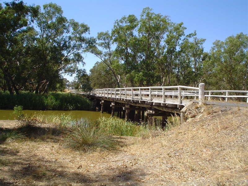 h01850 danns bridge over bet bet creek dunolly eddington road eddington long view she project 2004