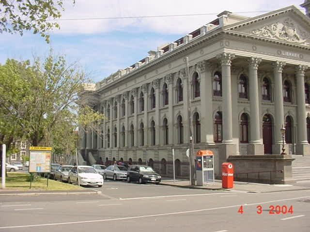 h00147 fitzroy town hall napier street fitzroy side she project 2004