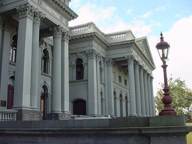 h00147 fitzroy town hall napier street fitzroy side view she project 2004