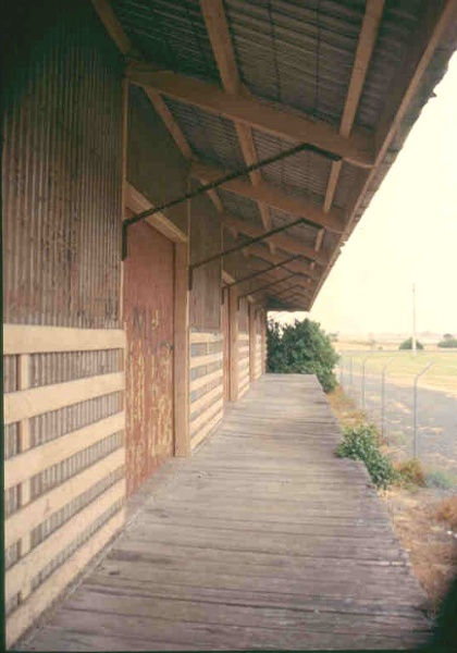 h02072 port fairy goods shed platform