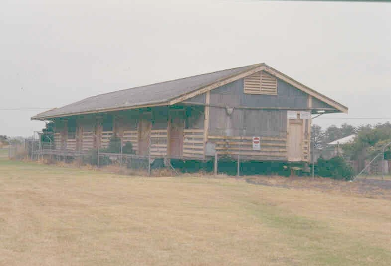 h02072 port fairy goods shed