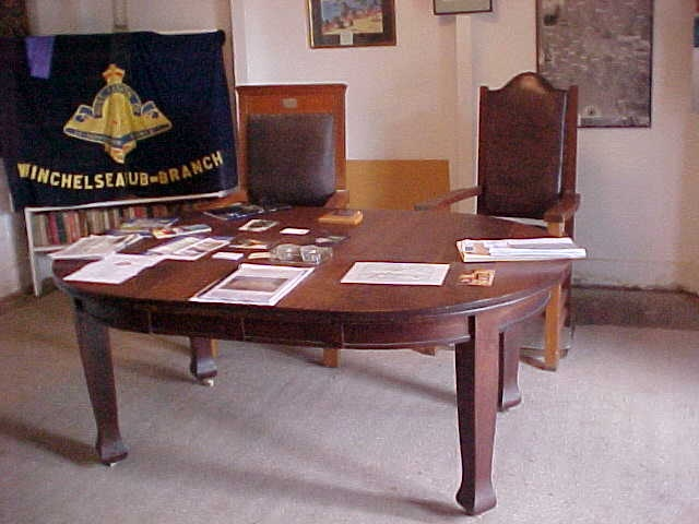 h01525 winchelsea grandstand rsl room table