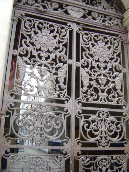 h00903 bourke street gates