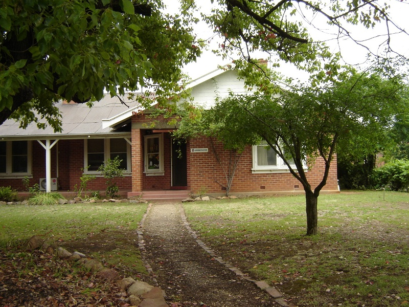 h01065 holy trinity anglican cathedral precinct wangaratta armstrong house 41 ovens st 2005