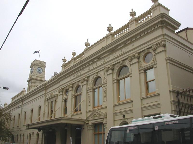 h00203 prahran town hall greville st facade 2 may05