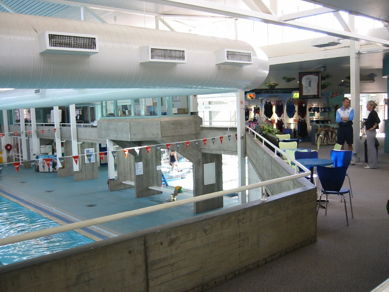 h00069_Harold_Holt_Swim_Centre_May_05_interior