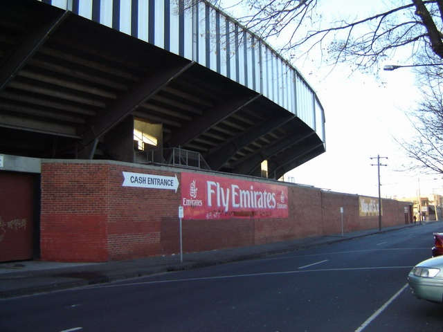 h00075 victoria park abbotsford june05 sherrin stand lulie street2