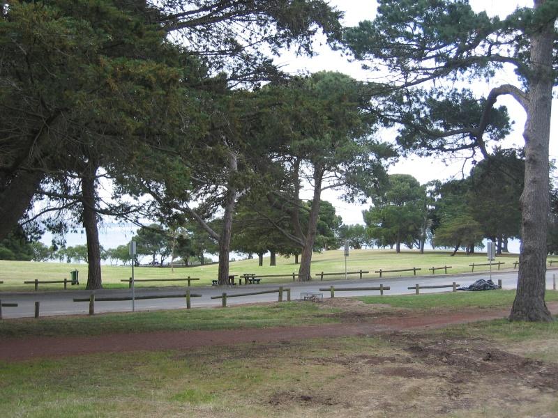 H2095 Eastern Park_10.2005