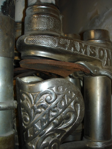 H2100 Myers Melbourne lamson tubes close detail feb2006 jb 005