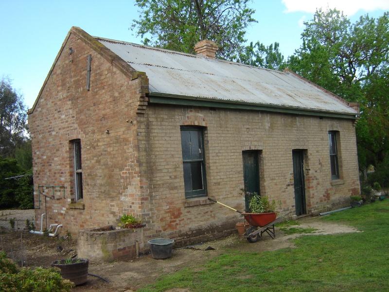 2063 Colbinabbin Homestead Bakehouse October 2005 mz
