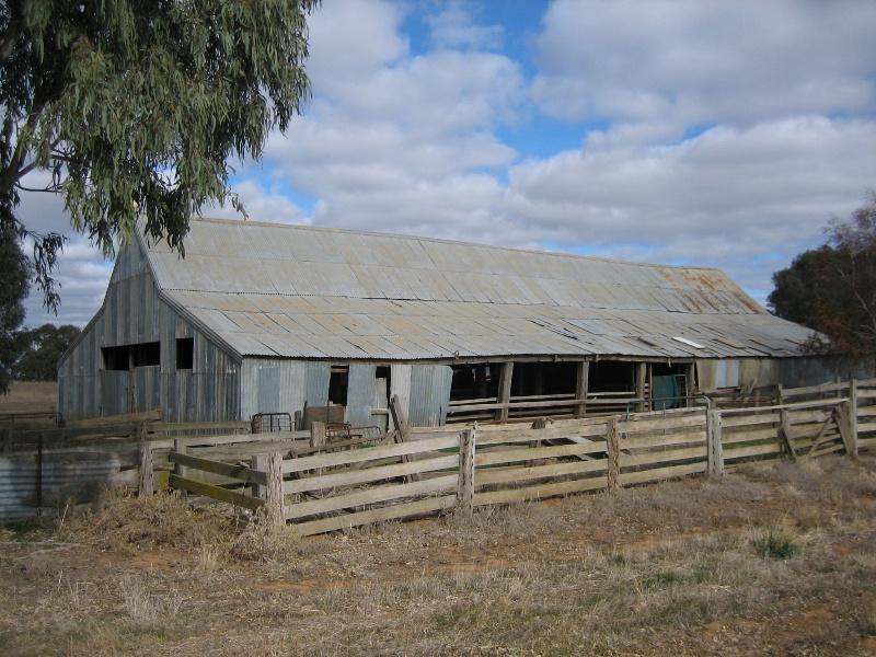 2063 Colbinabbin Homestead Woolshed External June 2006 mz