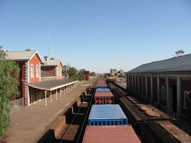 Echuca RWS Complex from North February 2002.