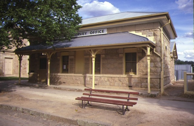 Lands Office Ford Street Beechworth Front View December 1984