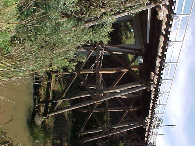Trestle bridge tresle detail May 2001