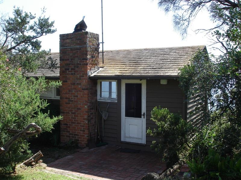 5345 Ramsay House Mt Eliza Enclosed Bedroom Balcony 23 March 2006 mz