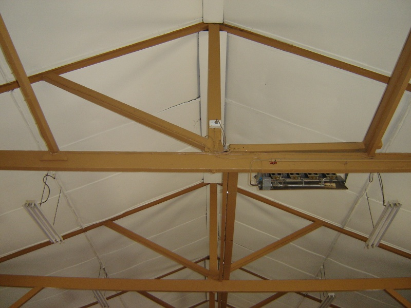 H1343 Interior - roof truss at east end of hall with missing strut. Dec 2006.