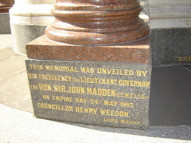1535 queen vic memorial foundation stone nov06 jb